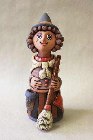 Čarodějnice s koštětem, červená, 31 cm