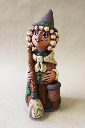 Čarodějnice s koštětem, zelená, 31 cm