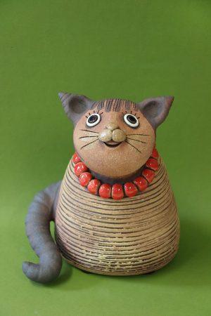 Kočka s korálky, 20 cm