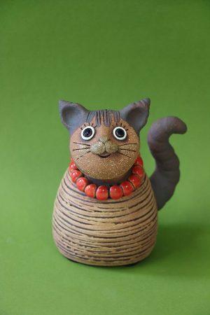 Kočka s korálky, 15 cm