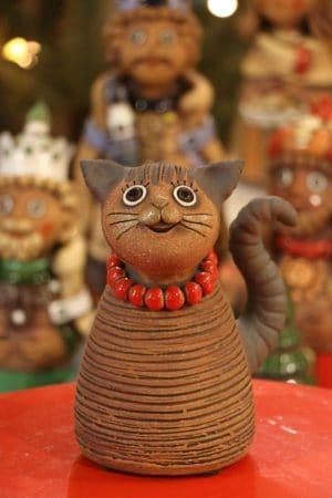 Kočka s korálky  18 cm