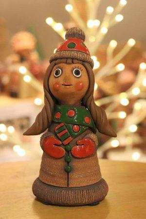 Děvče v čepici, 22 cm