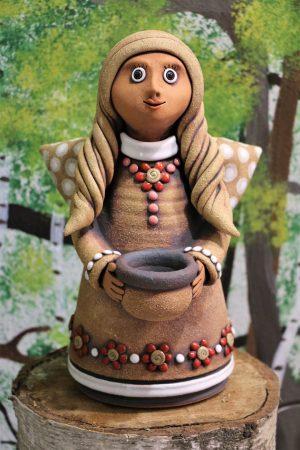 Anděl s miskou na svíčku, červené kytičky, v 30 cm